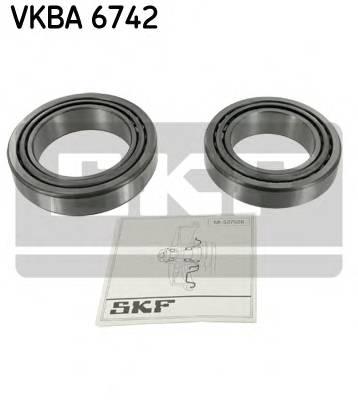 Підшипник роликовий і змазка (комплект) SKF VKBA6742
